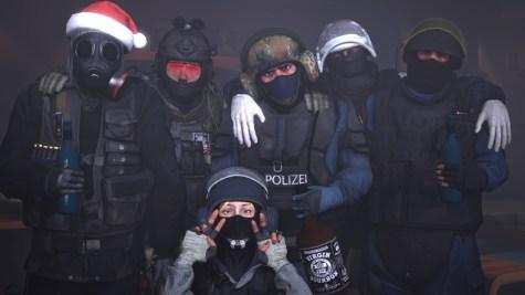 counter_terrorist_christmas_group_photo_by_b2009-d9lfikf