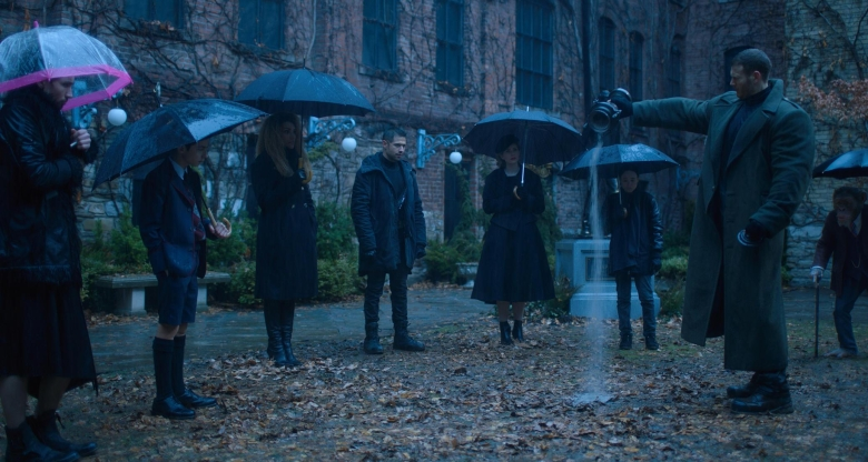 umbrella-academy-review-my-geek-actu-enterrement.jpg